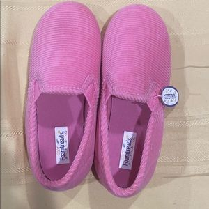 New Foamthreads corduroy pink slippers girl Sz 13